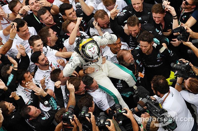 Videón a Mercedes ünneplése: sorozatban ötödször lettek bajnokok!