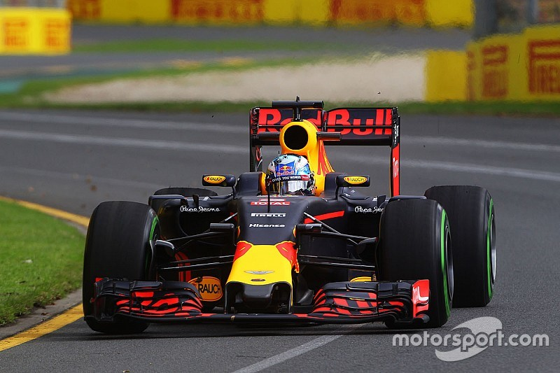 """Mixed weather """"an opportunity"""" for Red Bull - Ricciardo"""