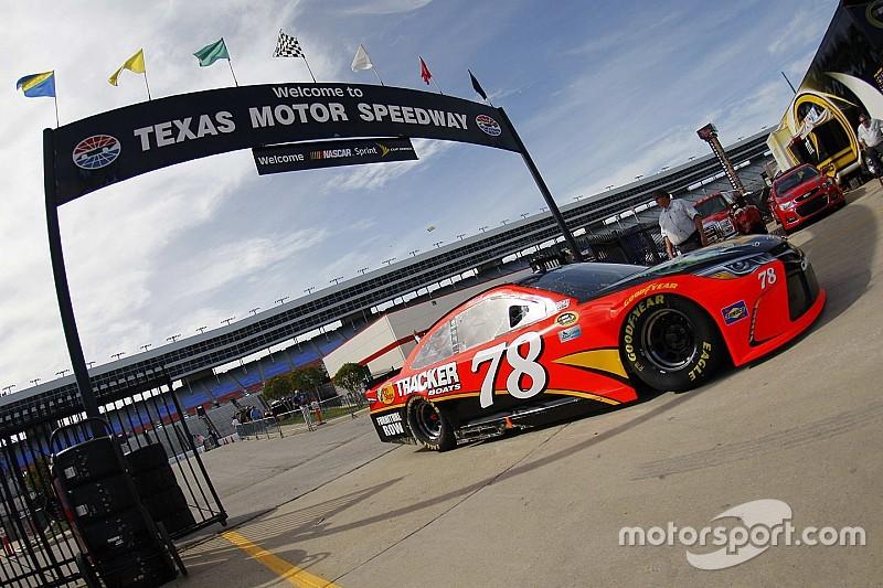 Truex fastest again in final Sprint Cup practice