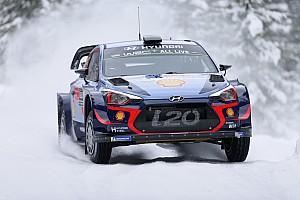 WRC Etappenbericht WRC Rallye Schweden 2018: Dreifachführung für Hyundai