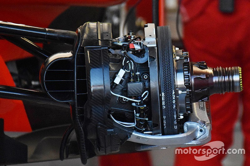 Ferrari: i dischi Brembo anteriori con 1.500 fori di raffeddamento!