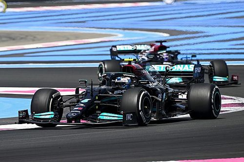 Bottas no tiene claro si mejora por el circuito o por el chasis