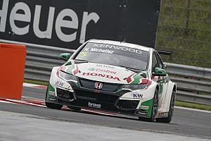WTCC Practice report Hungary WTCC: Michelisz leads Honda 1-2 in wet final practice