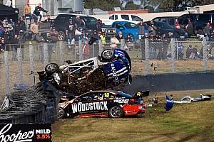 Fotogallery: la sequenza del terribile incidente a Sandown