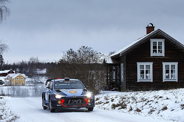 WRC Sweden WRC: Neuville grabs lead on Friday afternoon loop