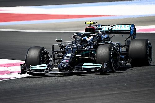 Mercedesy na czele FP1