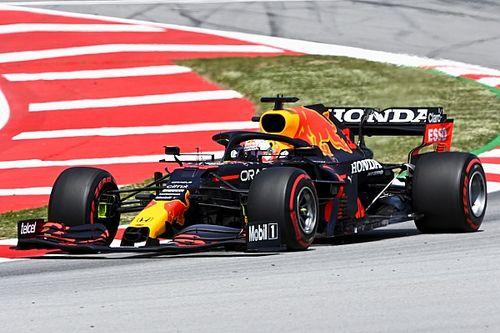 Verstappen toont spierballen in derde training GP van Spanje