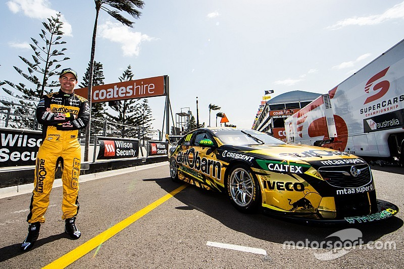 Lowndes surprised with gold send-off livery