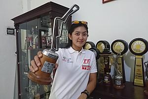 Other cars Reactions Makna hari Kartini di mata Alinka Hardianti