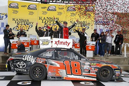 Bell scores first Xfinity victory, angers teammate with winning move
