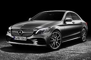OTOMOBİL Son dakika Mercedes-Benz makyajlı C-Serisi'ni duyurdu