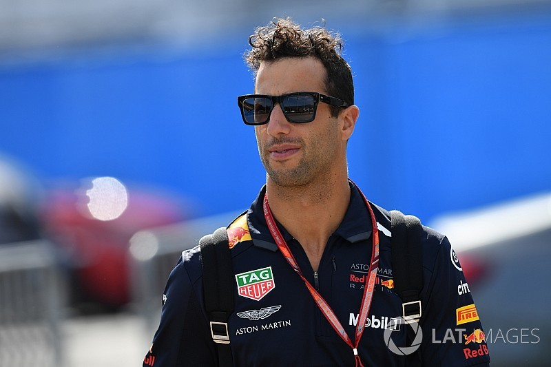 "Ricciardo would be ""bold"" to join teams he's lapping"