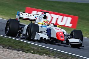 فورمولا  V8 3.5 تقرير السباق فورمولا 3.5: بالو يُحرز فوزه الأوّل في البطولة في سباق نوربورغرينغ الممطر