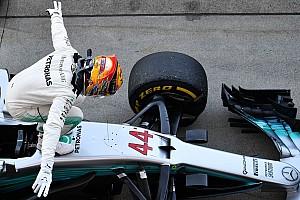 F1 Artículo especial La historia detrás de la foto: Hamilton y la bendición de Suzuka