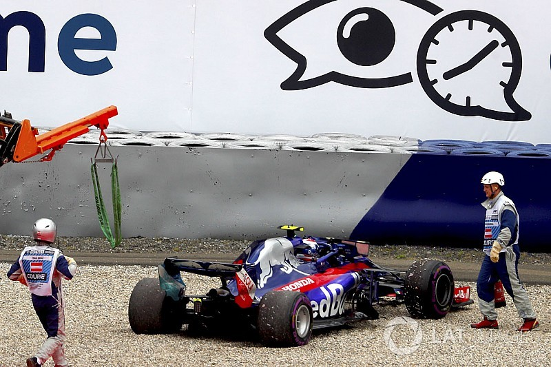 """F1's inconsistent kerbs create """"incentive"""" to damage cars - Perez"""