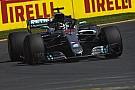 Fórmula 1 Hamilton fecha sexta-feira como o mais rápido do dia