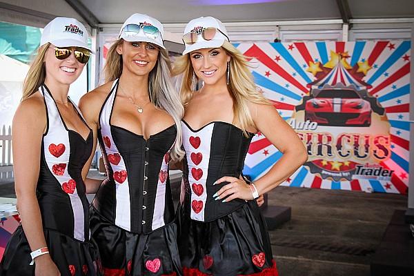 WTCC Топ список Галерея: дівчата гоночного вікенду на будь-який смак