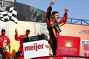 NASCAR Cup Reporte de la carrera Larson se lleva el triunfo de Michigan tras superar a Kyle Busch