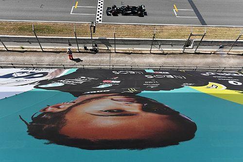 GP de España F1: pole de Hamilton por un suspiro y Sainz se gusta