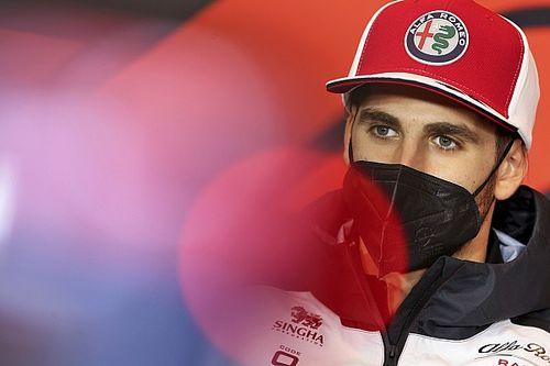 """Giovinazzi: """"Alpine ve Aston Martin'e artık çok daha yakınız"""""""