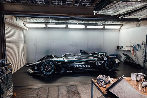 Mercedes drops all-black livery for 2021 Formula E season