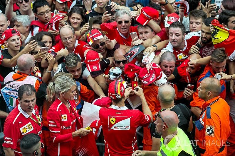 Sírógörcsöt kapott a nő Vettel miatt, megint: videó