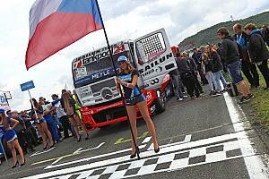 Kamion Eb BRÉKING FIA ETRC: Kiss Norbi első versenynapja jól indult, de balszerencsésen végződött