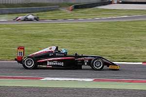 Formula 4 Gara Il Rookie Leonardo Lorandi vince Gara 2 ad Adria