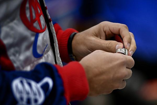 У пилота украли перстни за Indy 500, пока он ехал в «24 часах Дайтоны»