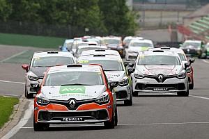TCR Benelux Nieuws TCR Benelux in zee met Clio Cup