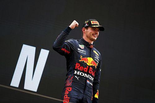 F1-update: Verstappen vloert Mercedes in tactische thriller