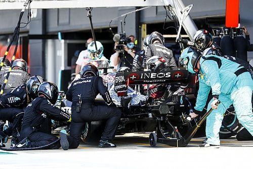 Túllépte-e Hamilton a boxutcai sebességhatárt?