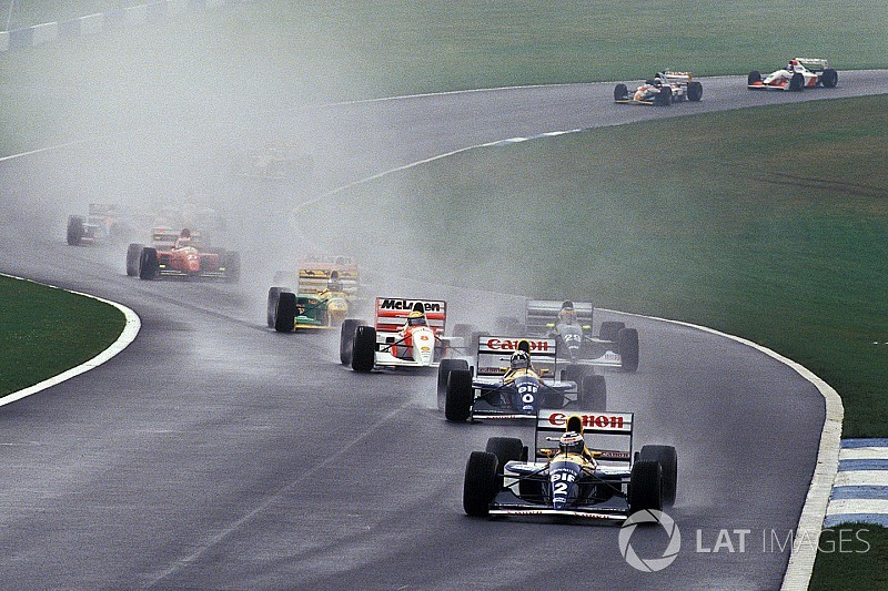Hamilton: F1 needs more Donington-style corners