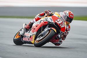 MotoGP Valencia: Marquez dominasi warm-up, Rossi ketiga