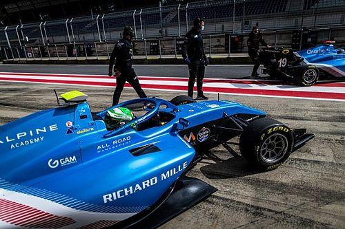 F3: Caio Collet faz últimos testes antes de abertura em Barcelona