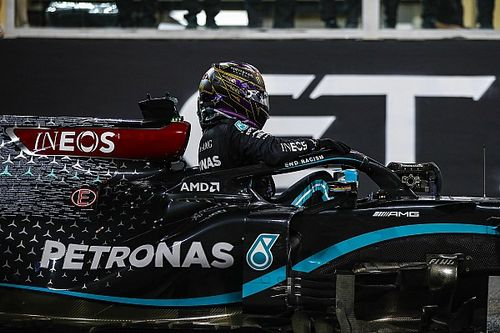 """De Telegraaf: """"Mercedes, Hamilton'a tek yıllık kontrat önerdi"""""""
