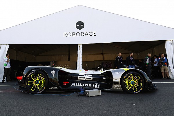 Roborace Motorsport.com La Roborace di scena all'Autosport International
