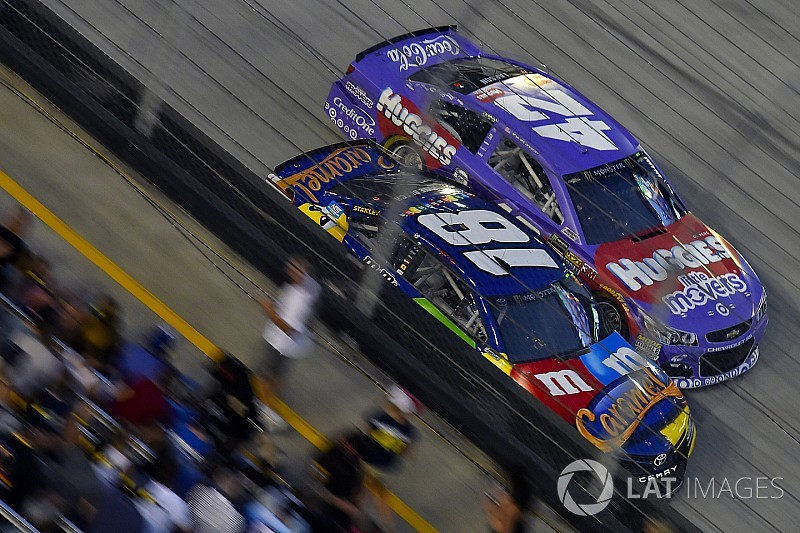 """Larson: """"I had a lot of fun racing with Kyle Busch"""" at Bristol"""