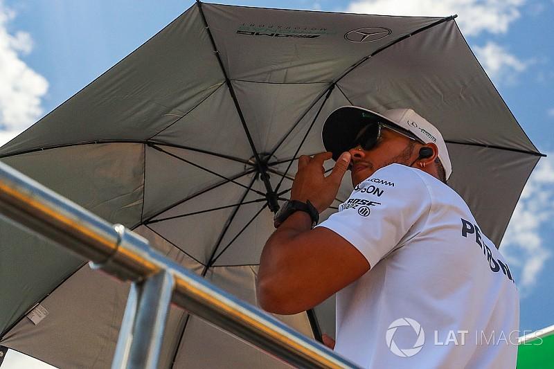 Hamilton érzi a vérszagot, ezért van az F1-ben