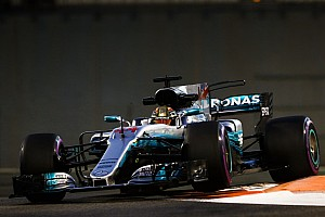 Хэмилтон стал быстрейшим по итогам пятницы в Абу-Даби