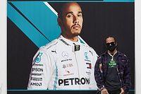 Lewis Hamilton gyúrás közben jelentkezett be, jól érzi magát (videó)