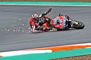 Відео: аварії перших тестів MotoGP у Валенсії