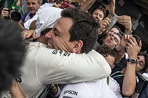 Mercedes: Elérhetetlennek tűnt a Ferrari 5 bajnoki címes rekordja
