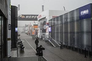 MotoGP, diluvia a Valencia: bandiera rossa dopo 8 minuti nella FP1