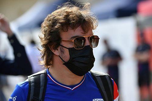 """Alonso: """"Las reglas son claras; en fútbol, cogerla con la mano es penalti"""""""