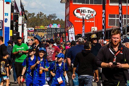 В Австралии вернули зрителей на гонки