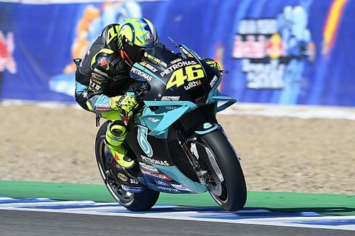 "MotoGP legend Schwantz: Rossi ""still has some fight left in him"""