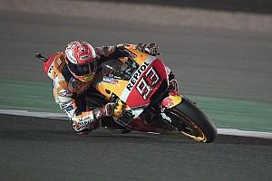 MotoGP News Marc Marquez mit Dashboard-Nachricht: Dein Bruder verfolgt dich!