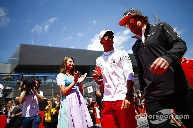 Hamilton: Alonso yarıştığım en büyük pilottu