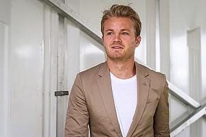 Formel 1 News Nico Rosberg missachtet Kleiderordnung in Wimbledon